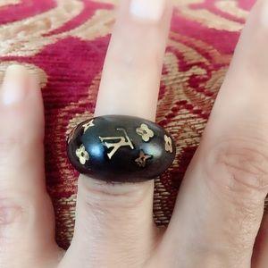 Louis Vuitton  Ring